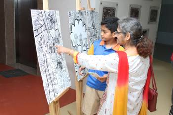 Students expressing their i 300x141 Mount Litera School International, Bandra, Celebrates 'Art Week'